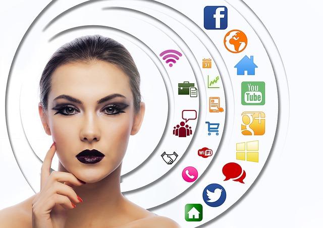 model-social-media-head-circling